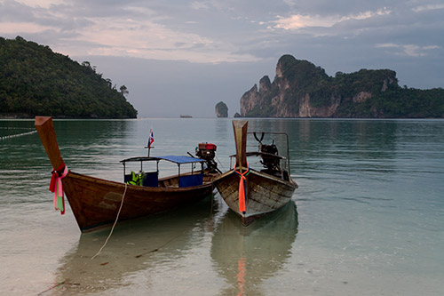 Boote in Phi Phi