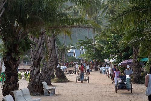Straße auf Phi Phi